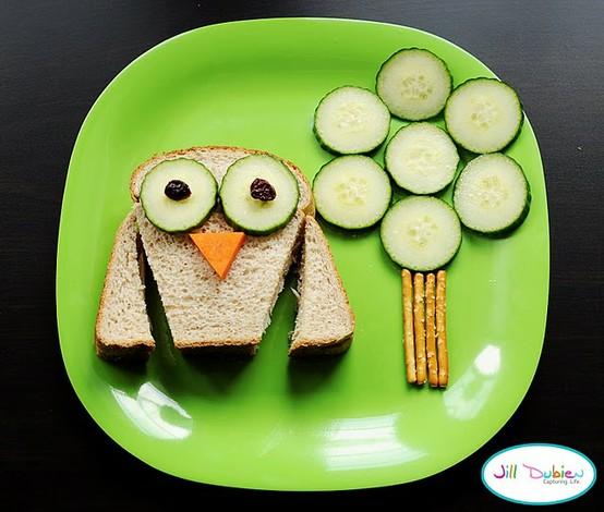 food owl sandwich